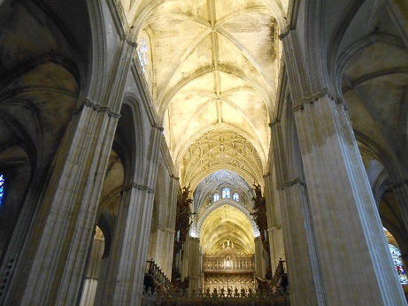 Seville cathedral interior 1