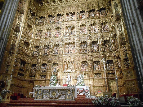 Seville cathedral interior 3