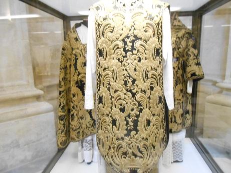 Seville cathedral interior goldwork 1