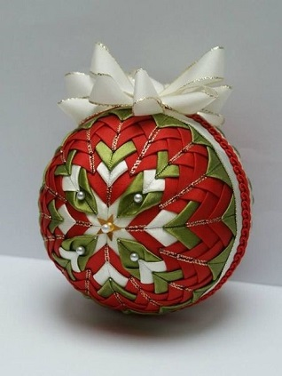 Folded fabric bauble 2
