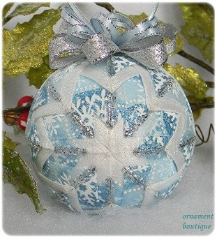 Folded fabric bauble 4