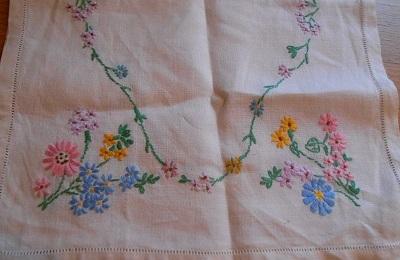 vintage traycloths jan 1