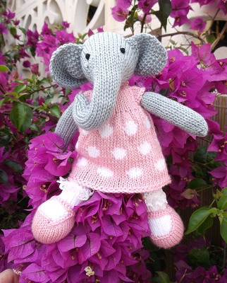 knitted bonnie-elephant-spain1