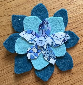 Felt flower blue 2