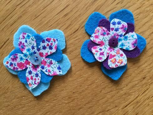 Felt flower blue pair