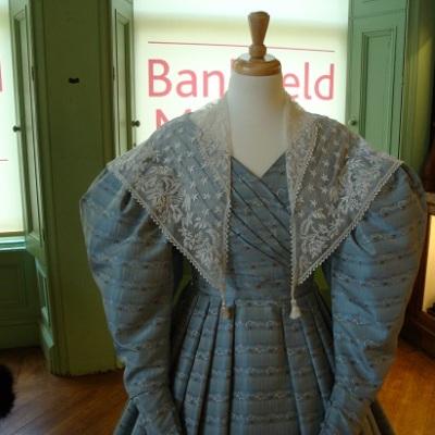 Costume Bankfield 24