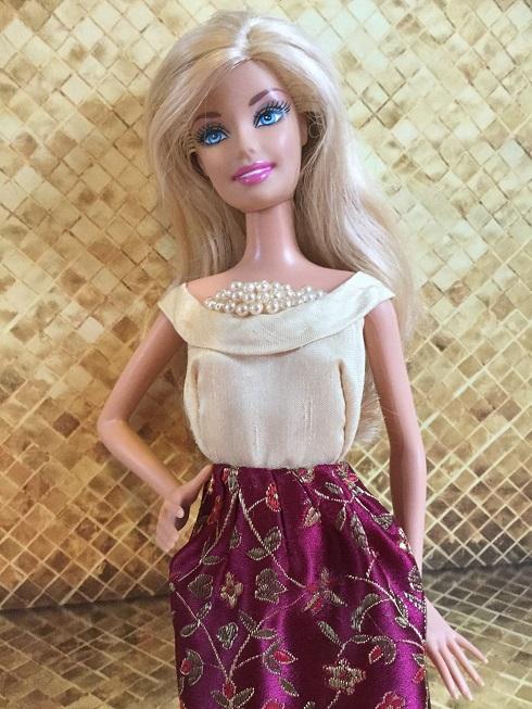 Barbie dress - Gold dress 1