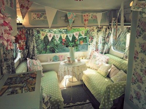 Retro cottage camper